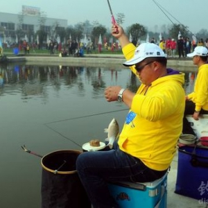 竞技钓比赛钓滑口鱼的必威体育直播客户端下载